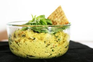 Basil-Hummus-2
